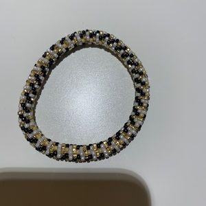 Jewelry - Stretchy bracket
